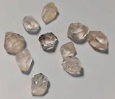 Bergkristall: 10 kleine Doppelender Quarze 5-8mm Länge zus. ca. 17 carat