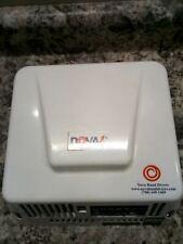 Nova 083000000 100-240V 88 CFM 30 Sec Dry Time Wall Mount Automatic Hand Dryer