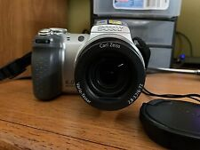 Sony Cyber-shot DSC-H2 6.0MP Camera - Silver- 12x Optical Zoom w/accessories