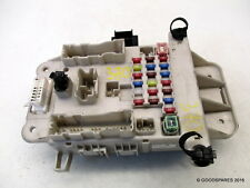 toyota rav 4 fuses fuse boxes fuse box 05 toyota rav4 mk2 xt4 2 0 vvti 5 door ref 370