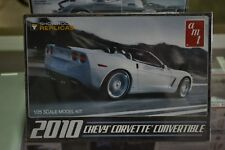 AMT-677 2010 Chevy Corvette Convertible 1/25 Scale Model - NEW