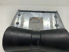 "CE Smith Trailer 10403G Galvanized Roller Bracket Assembly, 8"""