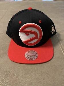Atlanta Hawks Mitchell And Ness Hardwood Classics Snapback Hat Preowned