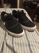 Nike SB Charge Canvas Athletic Shoe for Men, Size 10 - Black/White