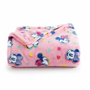 The Big One Oversized Plush Throw Blanket 5 ft x 6 ft / MINNIE MOUSE (New)