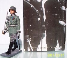 KING & COUNTRY WW2 GERMAN LAH064 WEHRMACHT OFFICER MARCHING MIB