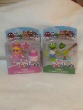 Disney Junior Muppet Babies Kermit & Banjo And Miss Piggy & Birthday Cake Figure