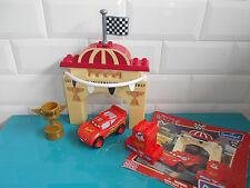17.5.25.12 CARS Flash Mc queen Piston Cup Mega bloks Disney