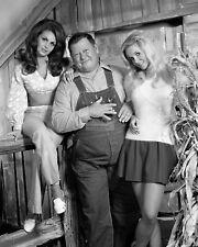 "DIANNA SCOTT, JUNIOR SAMPLES AND GUNILLA HUTTON IN ""HEE-HAW"" 8X10 PHOTO (DA-041)"
