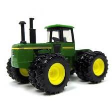 1/64 ERTL JOHN DEERE 8430 4WD W/ DUALS