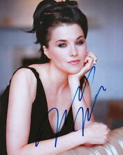 LUCY LAWLESS.. Simply Stunning - SIGNED