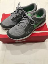 Men's Nike Running Shoes Size 9.5 Pre-owned 9/10