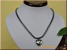 Markenlose Modeschmuck-Halsketten mit Hämatit-Hauptstein und Herz-Schliffform