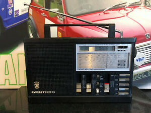 GRUNDIG YACHT BOY 700 INTERNATIONAL LW/MW/SW/FM PORTABLE TRANSISTOR RADIO TESTED