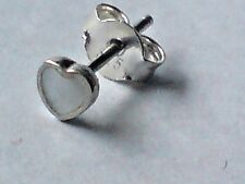 SINGLE STERLING SILVER & MOTHER OF PEARL HEART SHAPED 4mm STUD EARRING £3.50 NWT