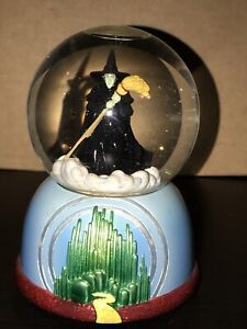 A Wizard of Oz snow globe/music box