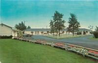 Nappanee Indiana~Hollander Motel~Market Street~1950s Car~Postcard