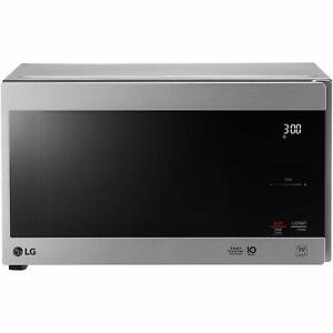 LG LMC0975ST 1000W Countertop Microwave Oven
