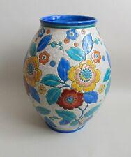 Boch Frères. Keramis. Vase en céramique à décor de motifs floraux, D 2516, XXe