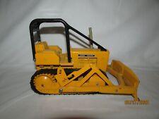Ertl John Deere 1/24 scale Die cast metal Bulldozer Made in the U.S.A.!