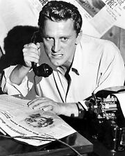 """KIRK DOUGLAS IN THE FILM """"ACE IN THE HOLE"""" - 8X10 PUBLICITY PHOTO (ZZ-763)"""