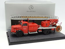 Minichamps 1/43 - Mercedes L6600 Great Scale Firefighters Feurwehr Factory