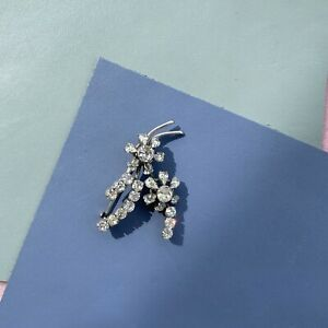 Lovely Vintage Mid Century Crystal Diamante Glass Flower Brooch Broach Pin