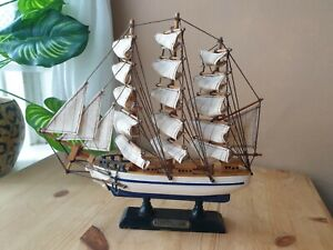 Constitution vintage Wooden sailing boat Ship Model Replica Collectable