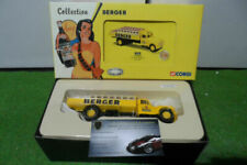 Camions miniatures jaunes Citroën