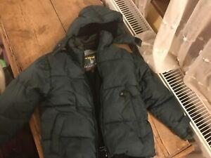 Boys Puffa jacket / anorak age 6 (marked / needs a bit of restitching) warm