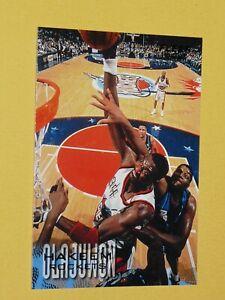 #42 HAKEEM OLAJUWON HOUSTON ROCKETS 1996-1997 NBA BASKETBALL FLEER CARD USA