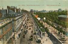 France, Paris, Rue de Rivoli vers le Louvre Postcard