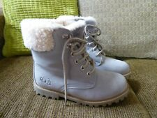 Ladies Grey  Boots,size 5 sheepskin lined