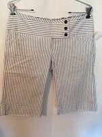 Charlotte Russe Shorts Womans 9 White Blue Striped Cotton Stretch New 170430