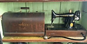 Vintage 1927 Singer Portable Sewing Machine Model 99-13 in Bent Wood Case
