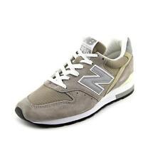Scarpe da uomo grigio New Balance in camoscio