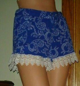 Charlotte Russe Blue/White Gauzy Paisley Floral Rayon Shorts Crochet Trim Sz S