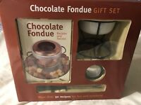 Chocolate Fondue Gift Set  by Mud Puddle New in box. Slight wear on box