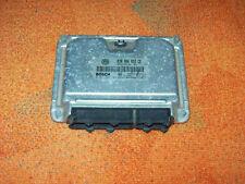 VW Polo  1.0 AUC 030906032CE 0261207184 37KW Motorsteuergerät aus 02001 ME7.5.10