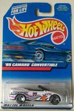 1999 HOT WHEELS '95 CAMARO CONVERTIBLE BASQUETBALL THEME DIECAST SCALE 1/64 NEW!