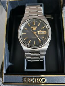 Vintage SEIKO 5 Men's Automatic Day/Date Watch 7009-3170