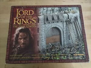 Games Workshop Lord Of The Rings Helms Deep Fortress Boxed
