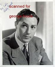 WALLY CASSELL - PHOTOGRAPH - SIGNED  - G.I.  JOE - SANDS OF IWO JIMA- ACTOR
