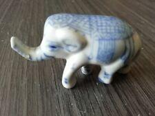 """Statuette """" ELEPHANT D'APPARAT """" décor or peint main - Porcelaine Fine"""