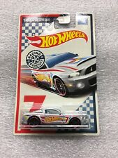 NEW Hot Wheels Racing Circuit 7/10 '15 Shelby GT-500 Super Snake New On Card B43
