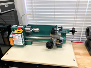 BARELY USED- Grizzly G8688 Mini Metal Lathe 7 x 12 in