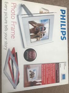 Philips 9FF2M4 Digital Photo Frame. Interchangeable frames. Boxed.