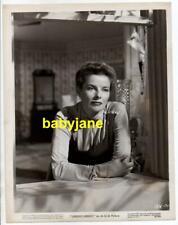 KATHERINE HEPBURN ORIGINAL 8X10 PHOTO LOOKING OUT WINDOW 1946 MGM UNDERCURRENT