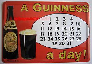 Mini-Blechschild - Guinness Kalender Postkarte
