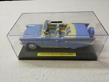 Chevrolet Bel Air Cabrio (1957), Blau, In Klarsicht Vitrine, 1:18, Road Signatur